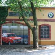 Autotechnik Dähne 1,VW,Skoda,Audi, Seat, Rathenow,Fassadenbeschriftung, künstlerische Objektgestaltung, Malerei, Fassadengestaltung, Giebelmalerei, Fassadenmalerei,