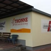 Thonke, Rampf Bau GmbH,Autotechnik Dähne ,Fassadenbeschriftung, künstlerische Objektgestaltung, Malerei, Fassadengestaltung, Giebelmalerei, Fassadenmalerei,