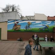 Grundschule Brandenburg HavelFassadengestaltung,  Fassadenmalerei, künstlerische Objektgestaltung,  Malerische Gestaltung, , Leinwand, Illusionsmalerei , Trompe l'oeil,  Graffitiauftrag